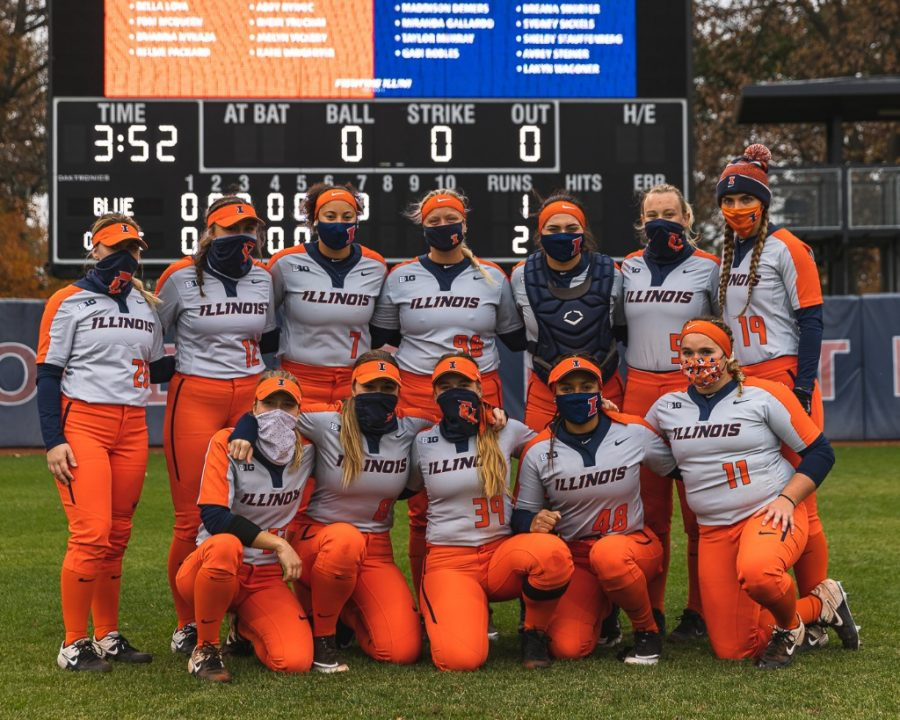 Members of Illinois Softball's Team Orange pose for a photo during the 2020 Orange & Blue World Series on Oct. 25. The Illini are currently in Florida set to play a series against Michigan State and Penn State over the upcoming weekend.