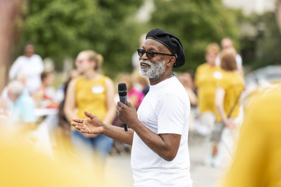 Artist Seitu Ken Jones speaks at the Crossroads Community Meal in Sept. of 2019. Jones spoke at a seminar hosted by the University on April 14 about how art can create social movements.
