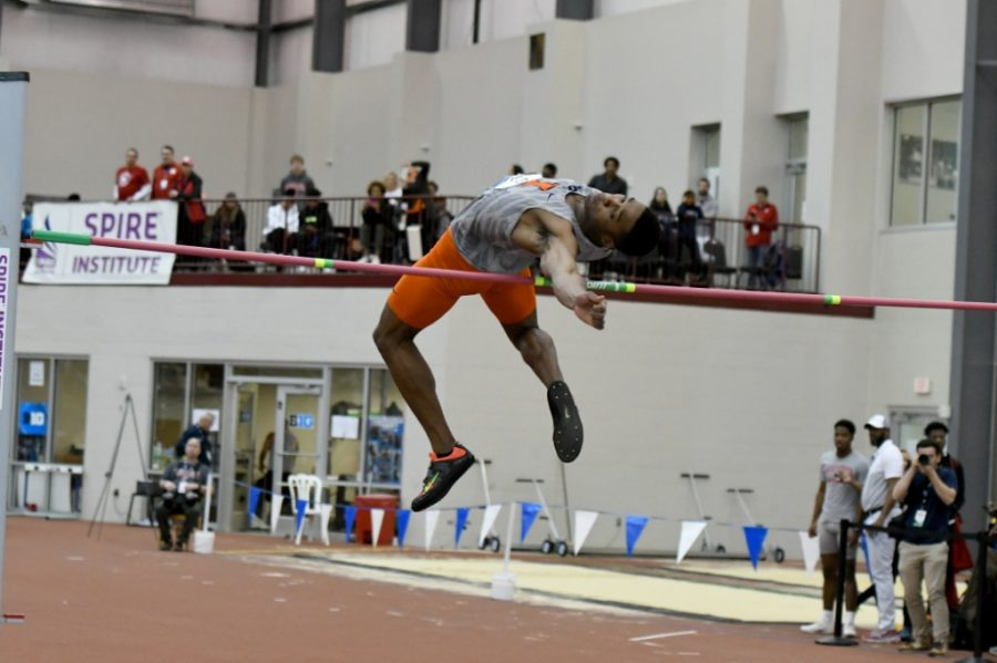 Illini of the week: Jonathan Wells wins two jumping titles, uses father's death as motivation
