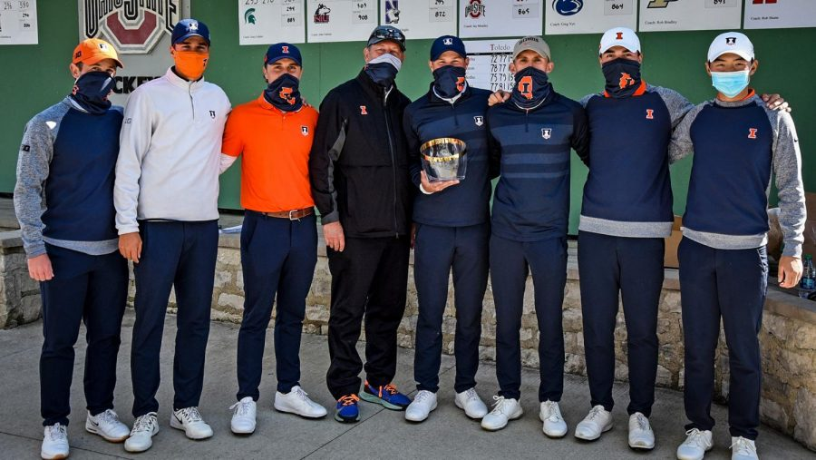 The Illinois men's golf team poses for a photo at the Robert Kepler Intercollegiate tournament in Columbus, Ohio on Sunday. The team is headed to Carmel, Indiana this weekend in hopes of winning their sixth straight Big Ten Championship.
