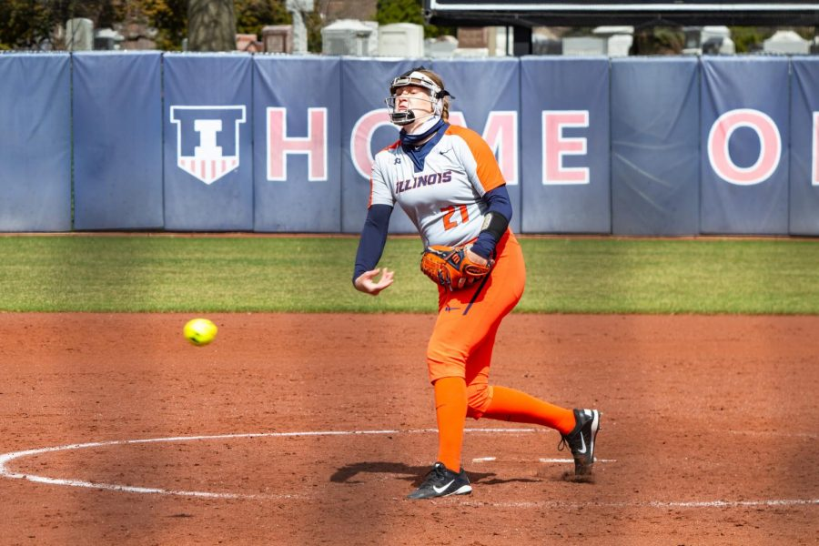 Junior Sydney Sickels pitched during a game against Minnesota on March 28. The Illinois softball team just returned from Madison, Wisconsin with a 3-1 series win against the Badgers.