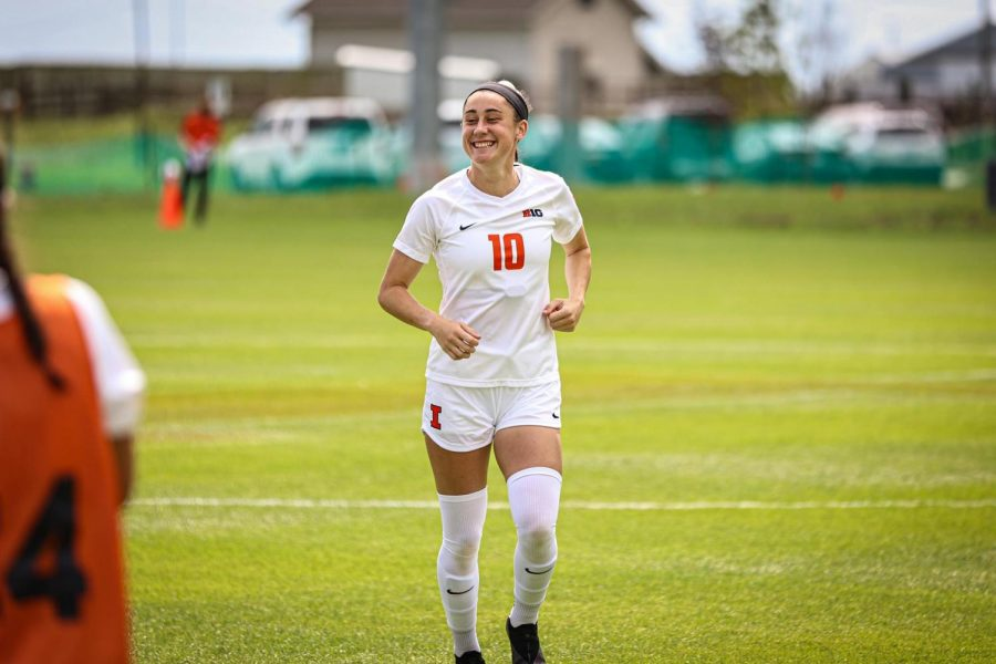 Redshirt senior Hope Breslin smiles during a game. Breslin, named Top Drawer Soccer team of the week, is set to make a huge impact during the Illinois soccer teams game against North Carolina on Thursday at Demirjian Park.