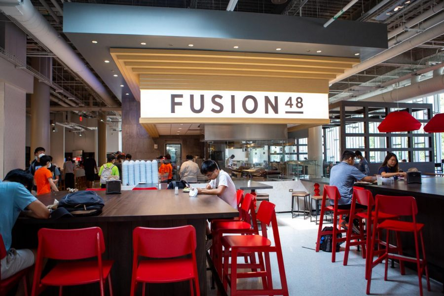 The+Fusion48+asian+cuisine+restaurant+sits+inside+of+the+new+Illinois+State+Residence+Hall+dining+area+on+Aug.+27.+Columnist+Chiara+Awatramani+believes+University+meal+plans+should+partner+with+local+restaurants+in+the+area.