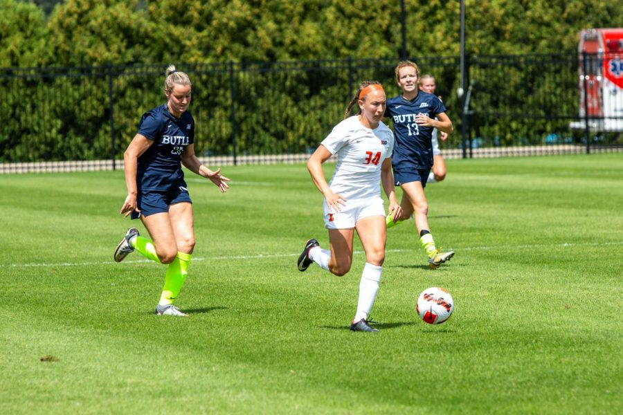 Forward Abby Lynch sprints with the ball during the game against Butler Aug. 29. The Illini lost their match to Northwestern in the final minute of their game Thursday night.