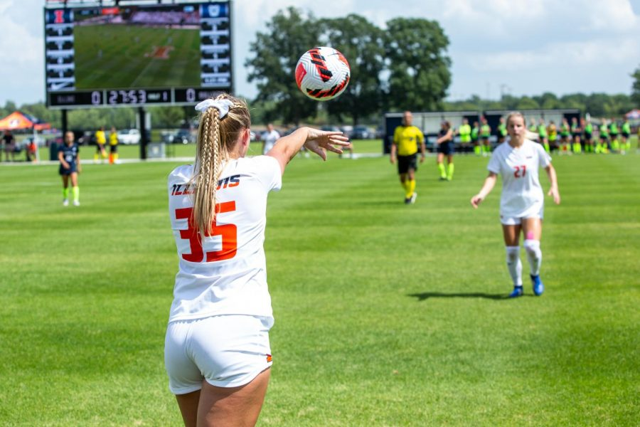 Forward+Lauren+Stibich+takes+a+throw-in+during+the+game+against+Butler+Aug.+29.+A+late+goal+was+not+enough+for+Illinois+soccer+to+propel+past+Purdue+this+past+Thursday.