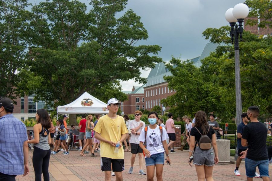 Students walk around on in-person Quad Day as they discover all the activities they can participate in. Seniors celebrate as campus is returning back to normal as they embark into their senior year.