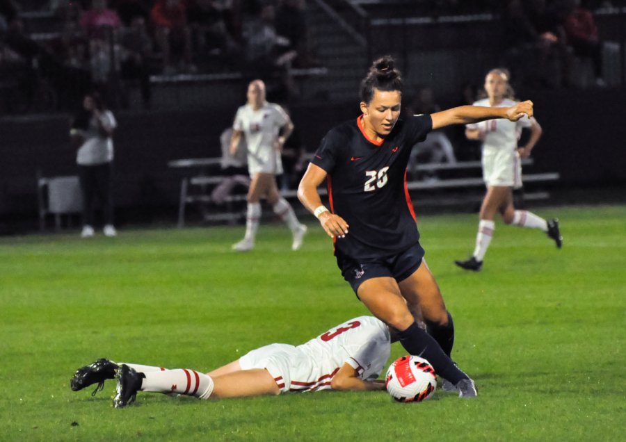 Forward Makena Silber handles the ball during the game against Wisconsin Oct. 8. The Illini look to perform well in their game against Iowa on Sunday.